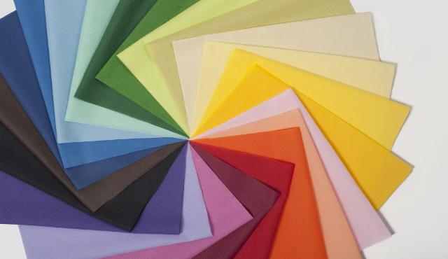 Tovaglioli SCA e Tork: una pioggia di colori a tavola!