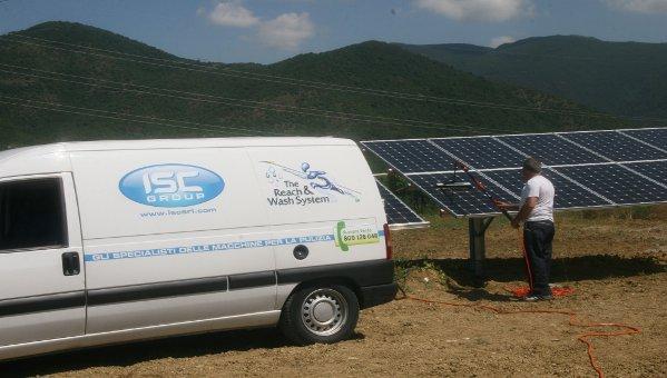 Con Reach & Wash®, ISC Group  apre al settore dei pannelli fotovoltaici