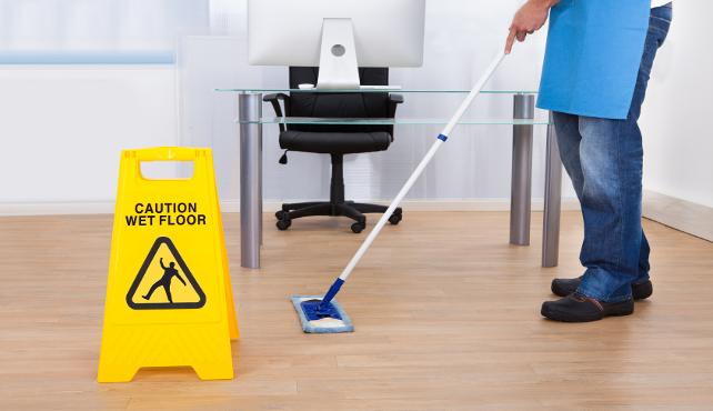 Servizi di pulizia: addio alla revisione automatica dei prezzi