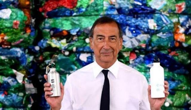 Stop alla plastica: borracce targate A2A ed MM nelle scuole di Milano