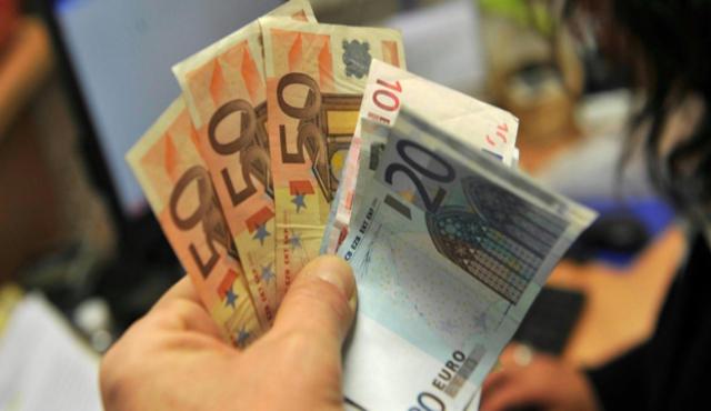 Rifiuti a peso d'oro, Cittadinanzattiva: circa 300 euro a famiglia nel 2015