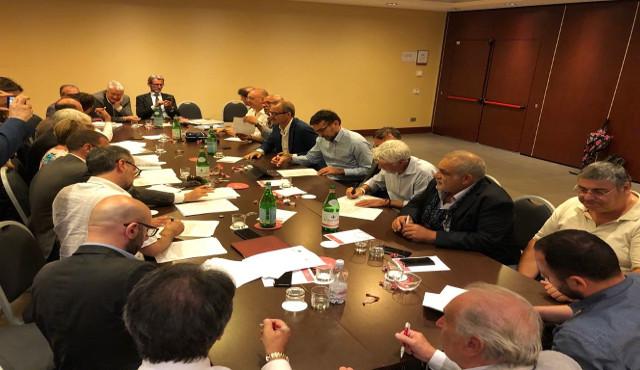 CCNL: Legacoop Produzione e Servizi, Utilitalia e Cisambiente firmano accordo igiene ambientale