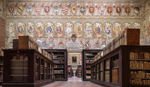 Formula Servizi si aggiudica la gestione di Sala Borsa, l'Archiginnasio e le biblioteche di Bologna