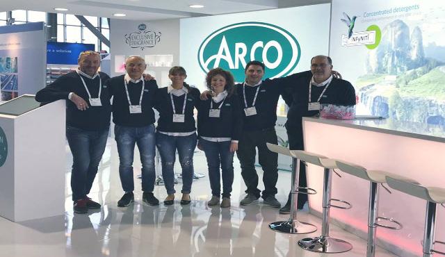 """Arco """"fa scuola"""" di smart cleaning"""