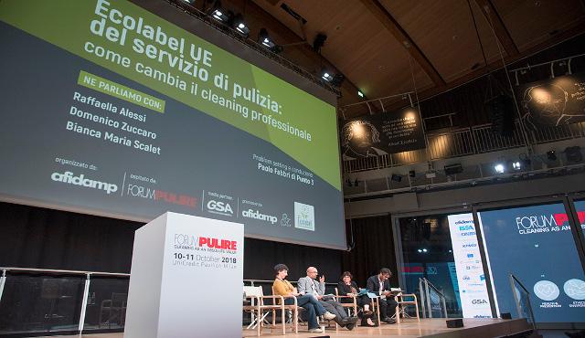 Servizi di pulizia più verdi grazie all'Ecolabel UE