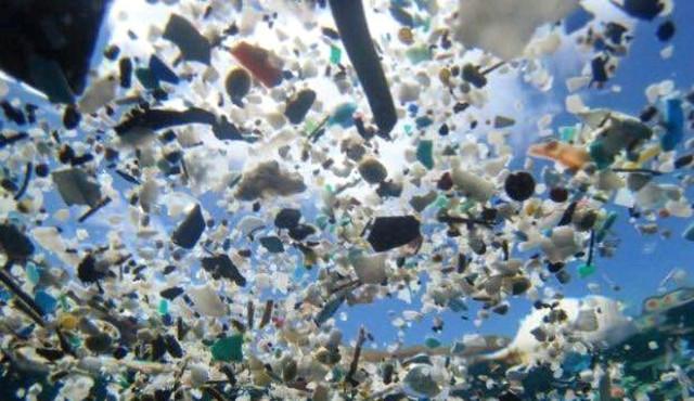 """L'inquinamento """"micro"""" che minaccia il pianeta"""