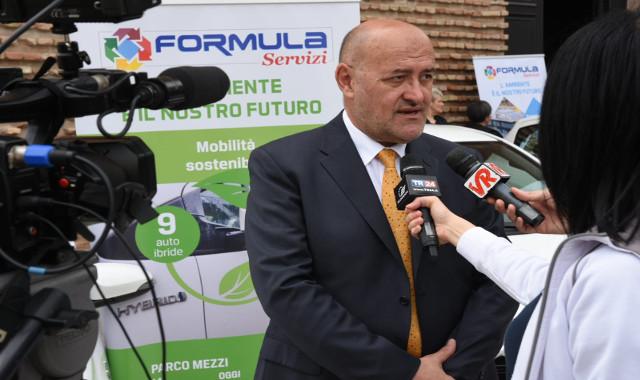Staffetta a Formula Servizi, Rinaldini va in pensione